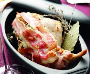 Cuisses de lapin au fromage frais et aux noisettes
