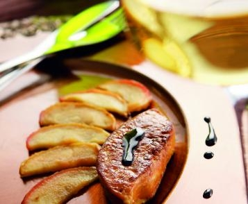 Pan-fried foie gras, confit of fruits with gewurztraminer