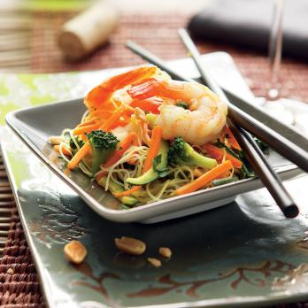Sautéed Chinese noodles with shrimp