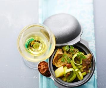 Pork curry with mango