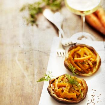 Tarte tatin-style carrot tartlets with dill by Philippe Kientzler